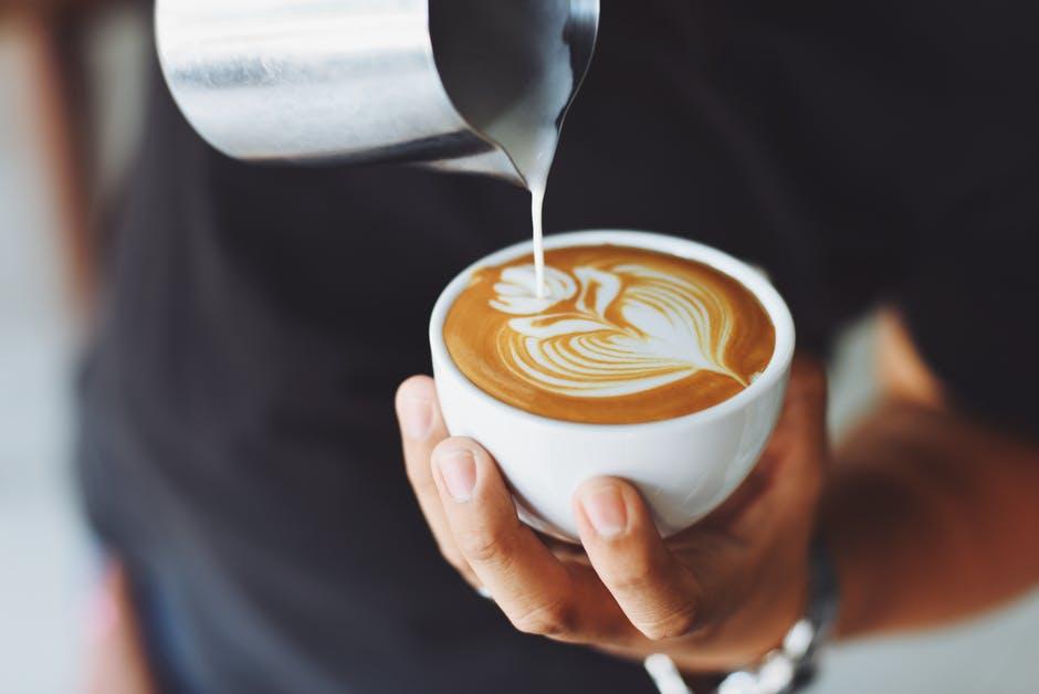 Se détendre avec une tasse de café